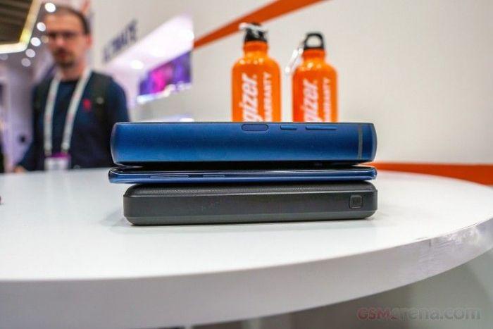 На Indiegogo предлагают скинуться на Energizer Power Max P18K Pop с батарейкой на 18000 мАч – фото 3