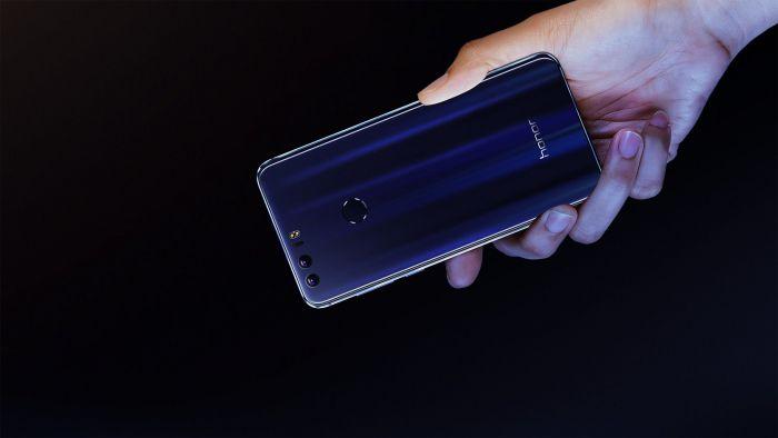 Honor 8 получил стеклянные панели с двух сторон, две тыльные камеры Sony IMX286 и 3 модификации с ценами $299, $344 и $374 – фото 1