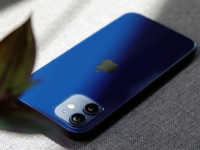 Вот она имиджевая серия iPhone 12. «Попал» на $4000 – фото 1