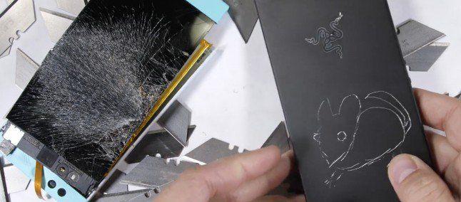 Как обстоят дела с прочностью у Razer Phone – фото 1
