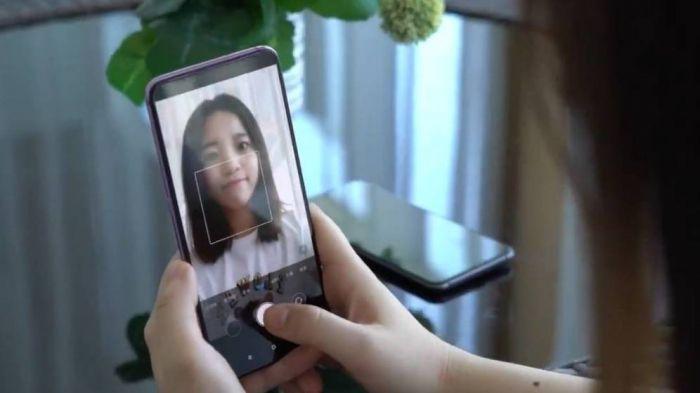 Xiaomi будет внедрять подэкранные камеры
