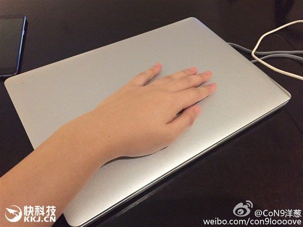 Xiaomi Mi Notebook показался на «живых» снимках – фото 3