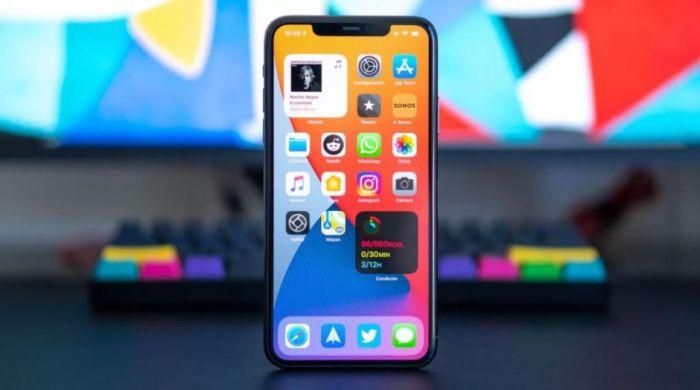 iPhone с новой версией iOS 14