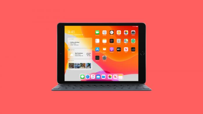 планшет Apple iPad (2010)