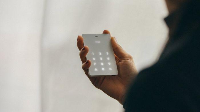 Light Phone — телефон для минималистов, который лечит зависимость от смартфона – фото 1