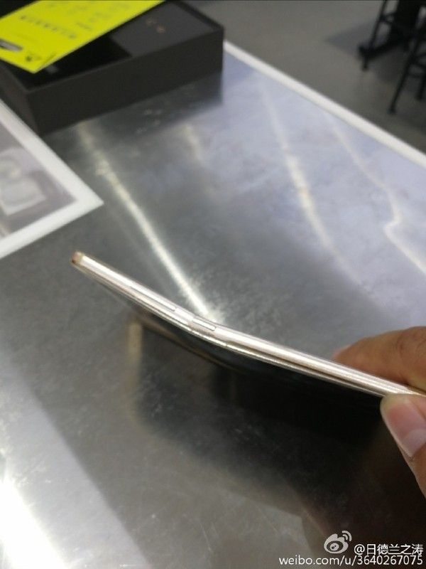 Huawei Mate 9 получилось согнуть – фото 3