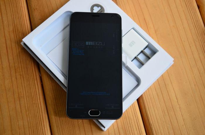 meizu_m2_mini_obzor_vneshnego_vida_upakovka_smartfon