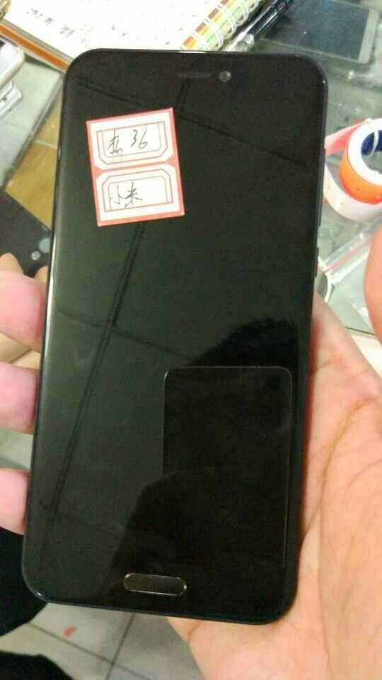 Фотографии Xiaomi Mi Note 2 в черном цвете слили в сеть – фото 4