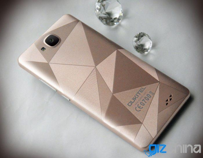 Oukitel C3: реальные снимки подтверждают текстуру с гранями алмаза тыльной крышки – фото 3