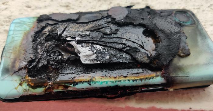 OnePlus Nord 2 совершил акт самоуничтожения – фото 2