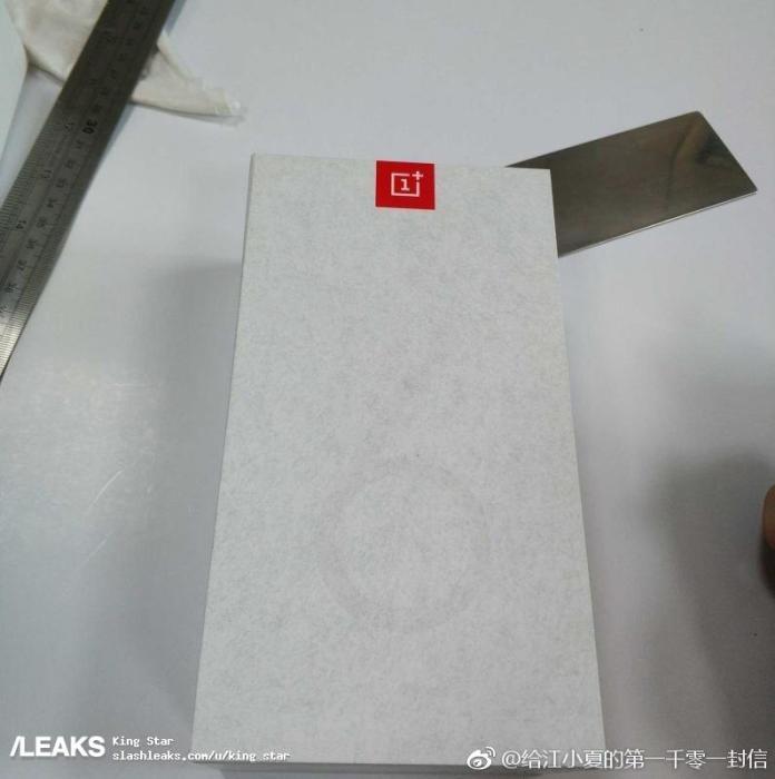 Упаковка OnePlus 6T показала его дизайн – фото 1