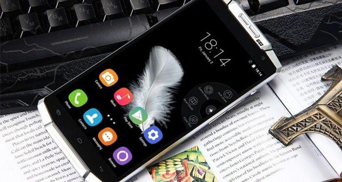Oukitel K10000: видео (распаковка) брутального смартфона с планшетной автономностью – фото 1