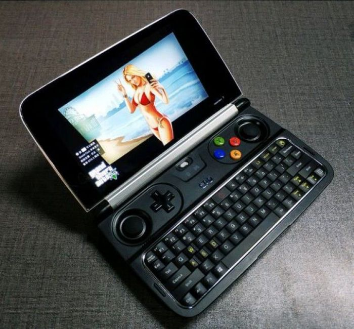 GPD Win 2 - портативная игровая консоль на Windows – фото 1
