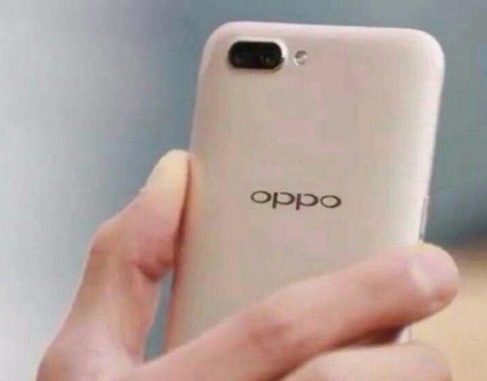 Фото Oppo R11 подтверждает наличие двойной тыльной камеры – фото 1