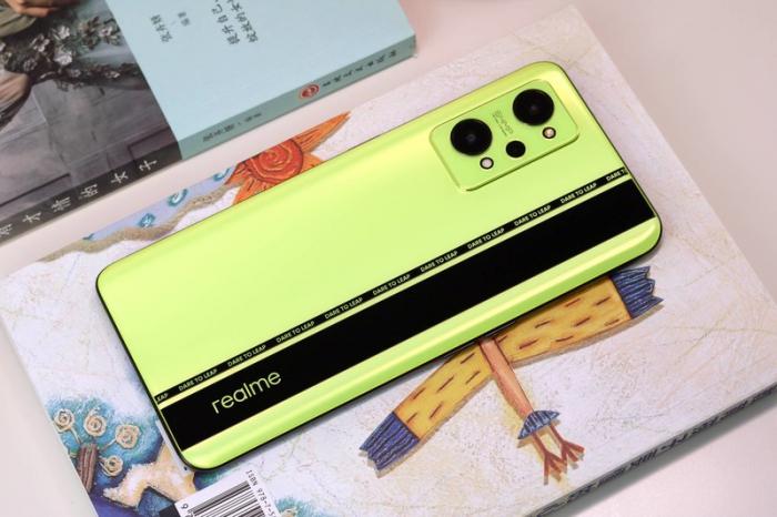 Realme GT Neo 2T: искусство обыгрывания одного смартфона – фото 1