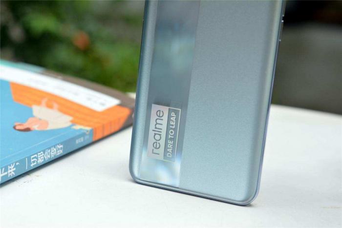 Realme готовит новинку с субфлагманским чипом Qualcomm – фото 1