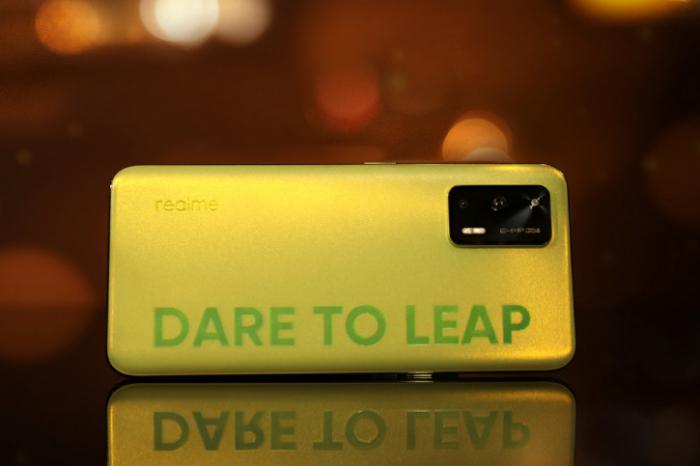 Realme Q3: больше изображений и интересная заявка по части чипа – фото 3