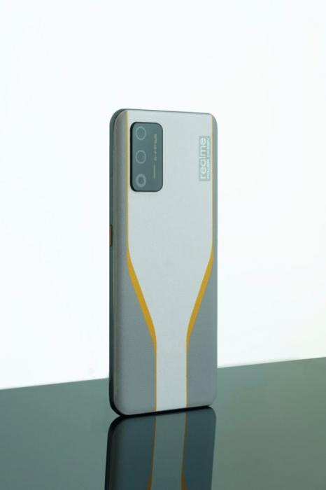 Realme смартфон рендер