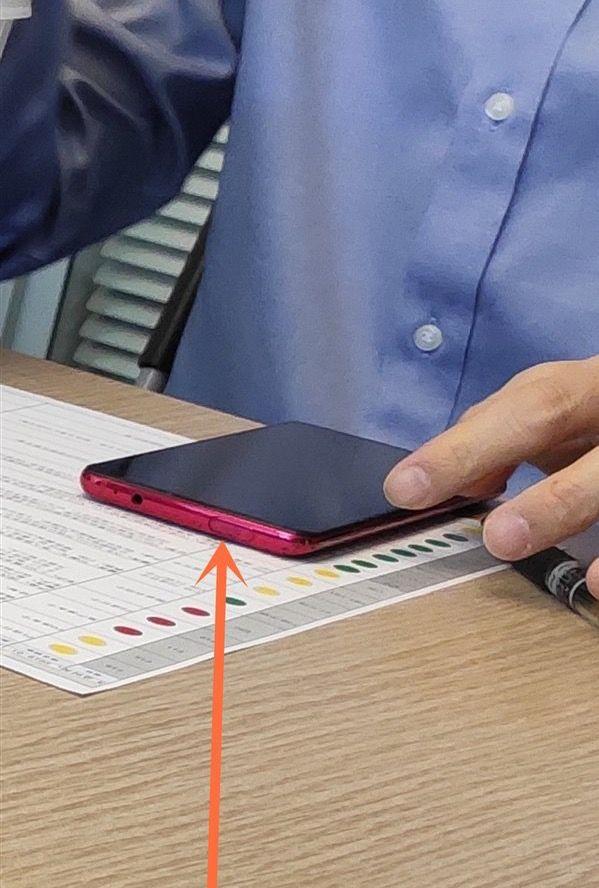 Redmi хочет чтобы пользователи выбрали как обыграть фронталку в смартфоне с Snapdragon 855 – фото 3