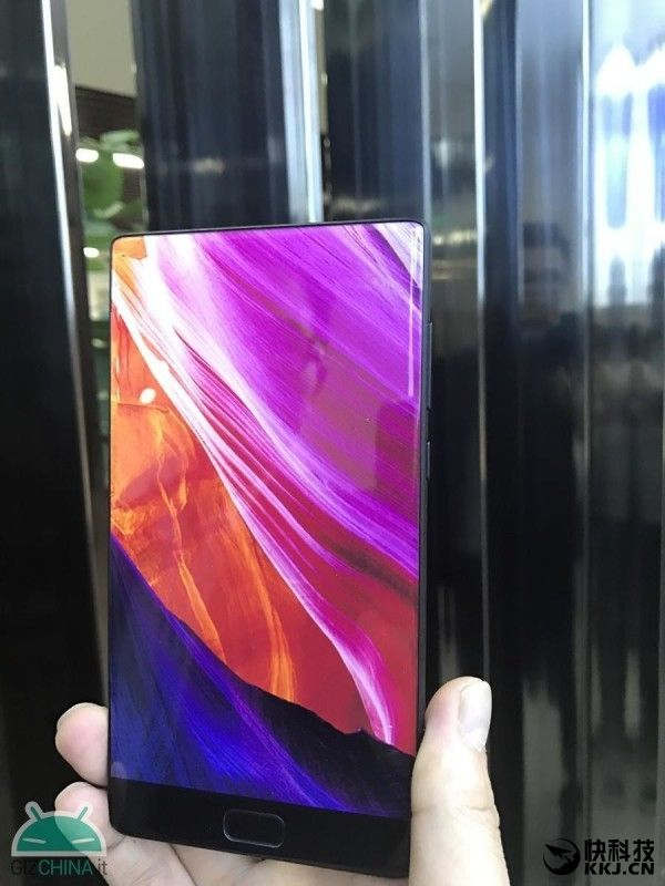 Безрамочный Elephone S8 с процессором Helio X27 показали на фото – фото 1