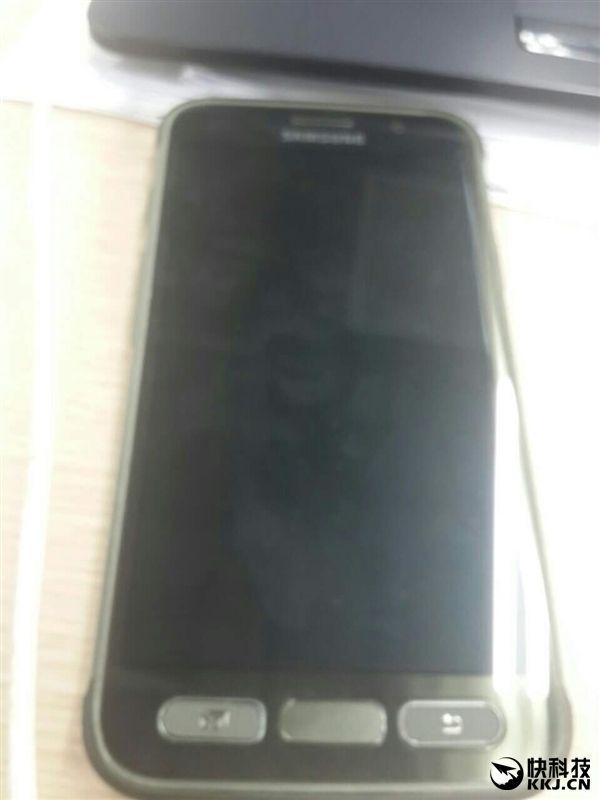 Samsung Galaxy S7 Active (CM-G891A) замечен на шпионских фото – фото 2