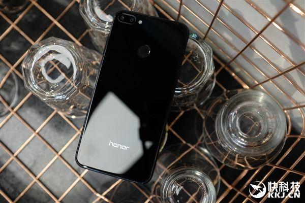 Анонс Honor 9i: в поисках доступного варианта Huawei P20 Lite – фото 8