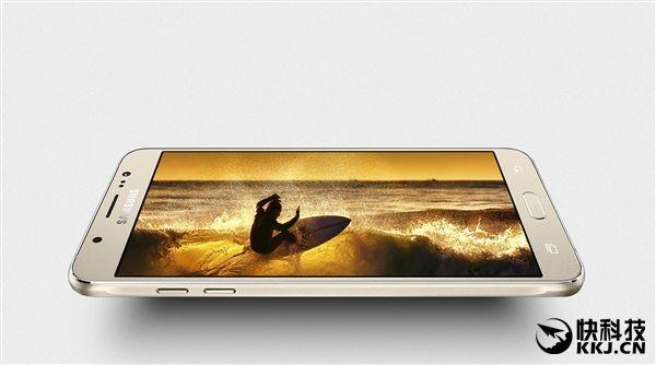 Samsung Galaxy J5 и J7 образца 2016года с Super AMOLED дисплеями и поддержкой NFC представлены в Китае – фото 3
