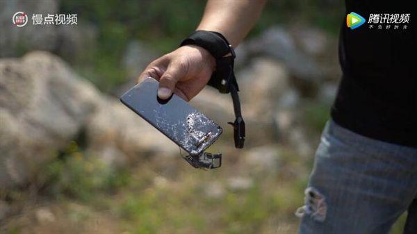 Xiaomi Mi6 прошел испытание стрелами – фото 2