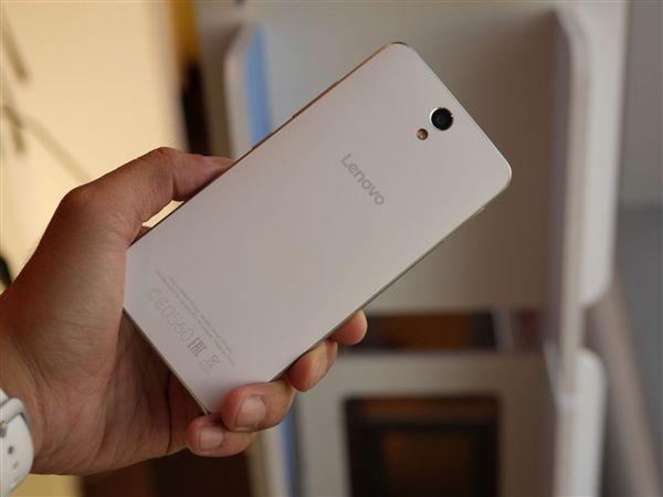 Lenovo Vibe S1 Lite: фотогалерея селфи-смартфона – фото 1