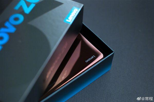Обещан выход Lenovo Z6 – фото 2