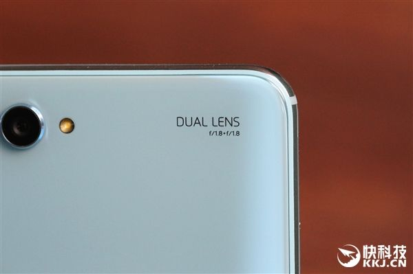 Безрамочный Huawei Nova 2s на базе Kirin 960 представлен – фото 9