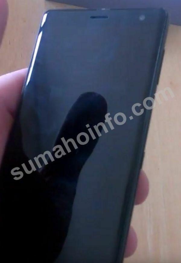 Sony Xperia XZ3 позирует на «живых» снимках – фото 3