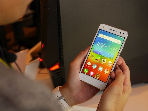 Lenovo Vibe S1 Lite: фотогалерея селфи-смартфона – фото 13
