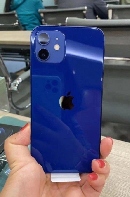 Что не так с синим цветом iPhone 12 – фото 2