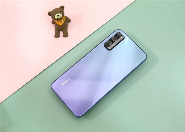 Представлен Huawei Enjoy 20 Pro: хуавеевский конвейер неутомим – фото 4