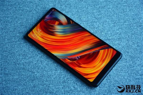 Безрамочный Xiaomi Mi Mix 2 дебютировал – фото 4