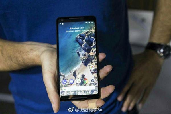 Фото Xiaomi Redmi 5 Plus подтверждает дисплей с соотношением сторон 18:9 – фото 1