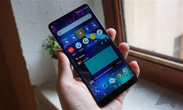 Essential Phone существенно подешевел – фото 3