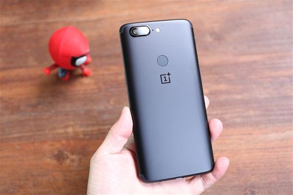 OnePlus 5 сделали «горбатым», но улучшили автономность – фото 1