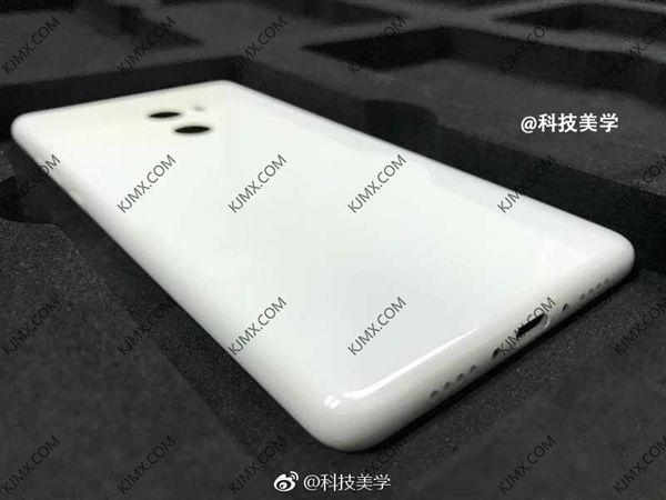 Шпионское фото Xiaomi Mi MIX 2. Он ужасен? – фото 1