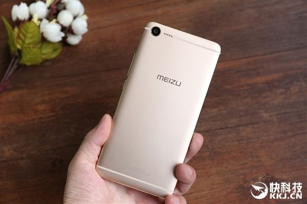 Премьера Meizu E2: чип Helio P20, быстрая зарядка и многофункциональная LED-вспышка – фото 4