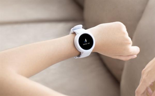 Amazfit Youth Edition: спортивные смарт-часы с аккумулятором на 20 дней работы – фото 1