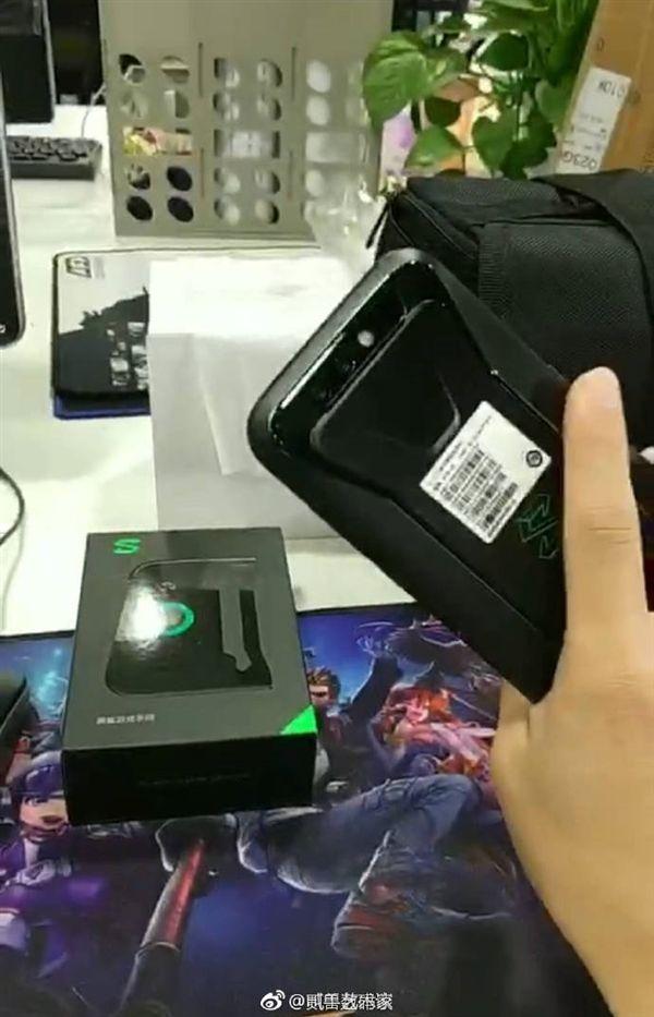 Xiaomi Black Shark показали на фото. Игровой и без космического дизайна – фото 2