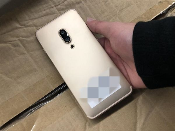 Meizu E3 впервые дал о себе знать – фото 2
