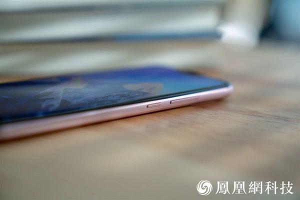 Xiaomi Redmi 6 Pro: официальные пресс-рендеры и «живые» снимки – фото 8