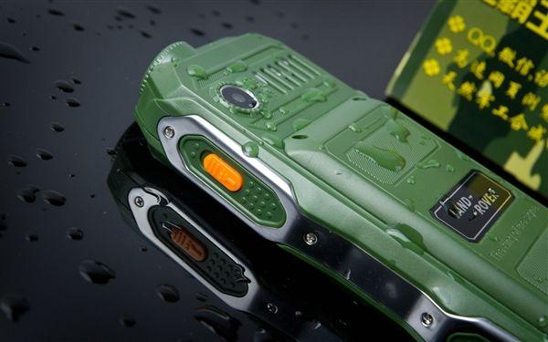 Land Rover K938 – защищенный телефон с аккумулятором на 10800 мАч и встроенным фонариком – фото 4