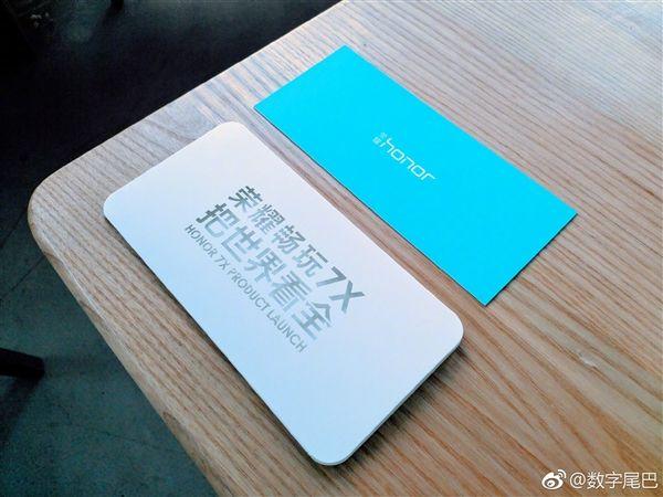 Показали макет смартфона Honor 7X – фото 3