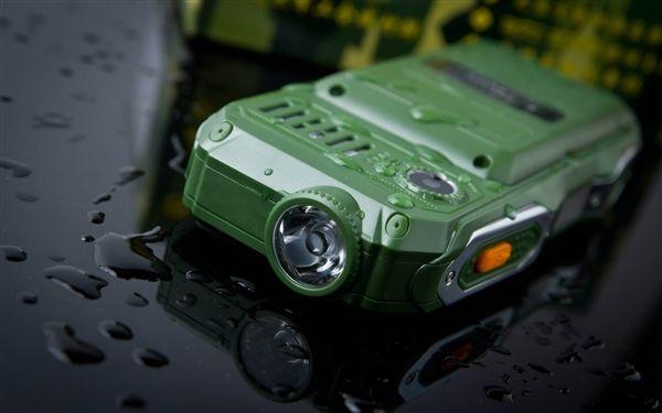 Land Rover K938 – защищенный телефон с аккумулятором на 10800 мАч и встроенным фонариком – фото 5