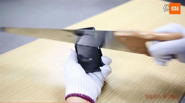 Xiaomi Mi5 с керамической крышкой испытали на устойчивость и механические воздействия – фото 5