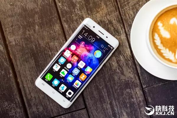 Vivo укрепляет позиции: 75 млн. смартфонов в 2016 году и борьба с Huawei за лидерство в 2017 – фото 1
